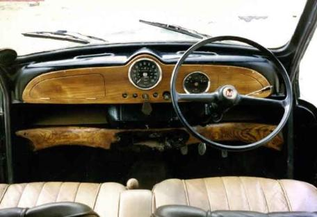 Morris minor, elm dash